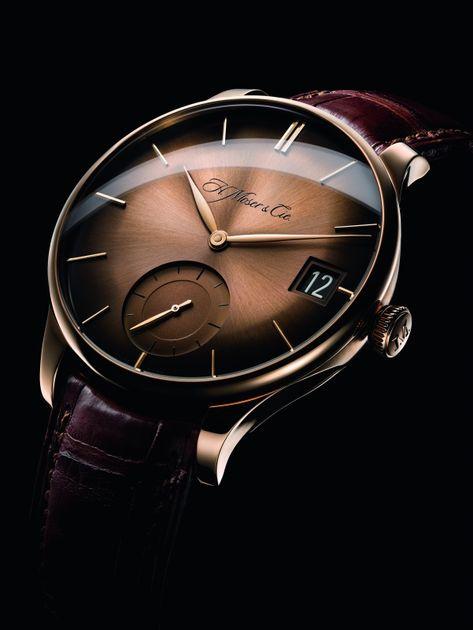 Watches for men - H Moser & Cie Venturer Big Date Stylish Watches, Luxury Watches For Men, Cool Watches, Army Watches, Seiko Watches, Gentleman Watch, Skeleton Watches, Hand Watch, Omega Seamaster