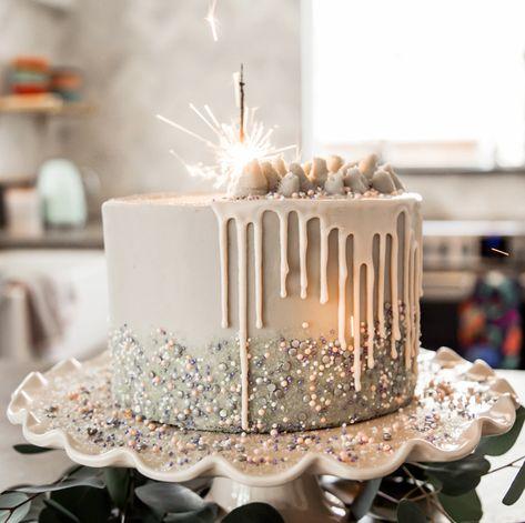 Fairy cake recipe with fairy dust filling for a magical celebration. - Fairy cake recipe with fairy dust filling for a magical celebration. Fairy cake recipe with fairy d - Pretty Cakes, Cute Cakes, Beautiful Cakes, Amazing Cakes, Food Cakes, Cupcake Cakes, Cake Fondant, Sparkle Cake, Cute Birthday Cakes