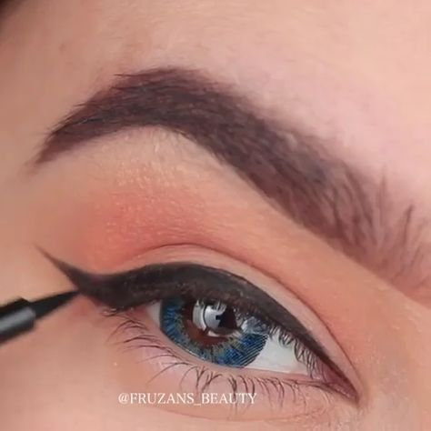 Simple eyeliner tutorial, easy tutorial for eyeliner #BestEyeliner