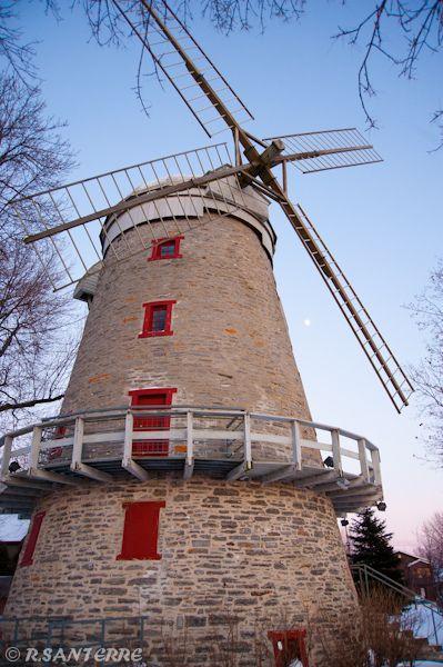 Moulin à vent Fleming by Ronald Santerre.