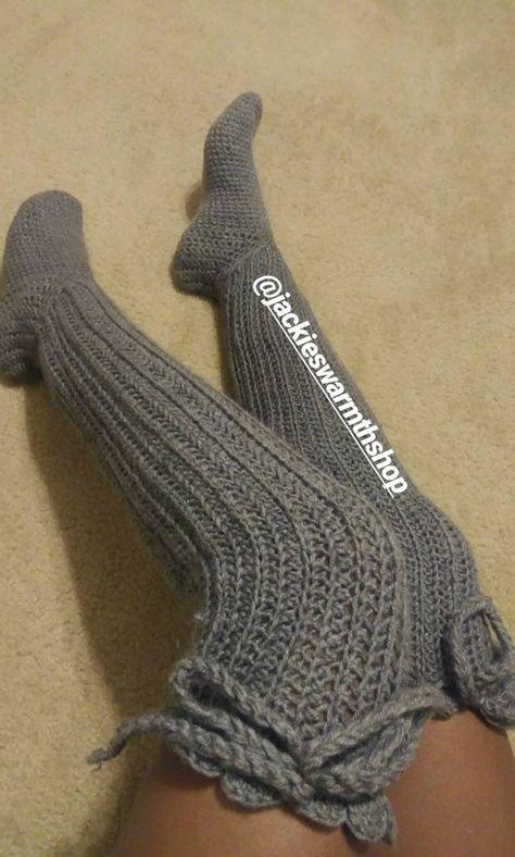 Easy Crochet Socks, Crochet Boot Cuffs, Crochet Leg Warmers, Crochet Boots, Crochet Slippers, Knitting Socks, Crotchet Socks, Knit Socks, Crochet Clothes
