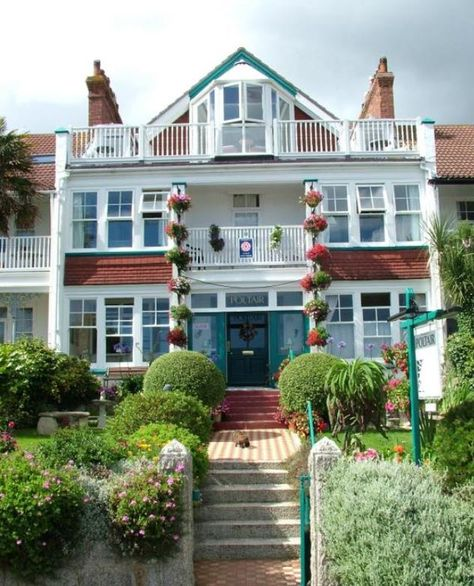 Www Aroundaboutbritain Co Uk Poltair Falmouth Cornwall England
