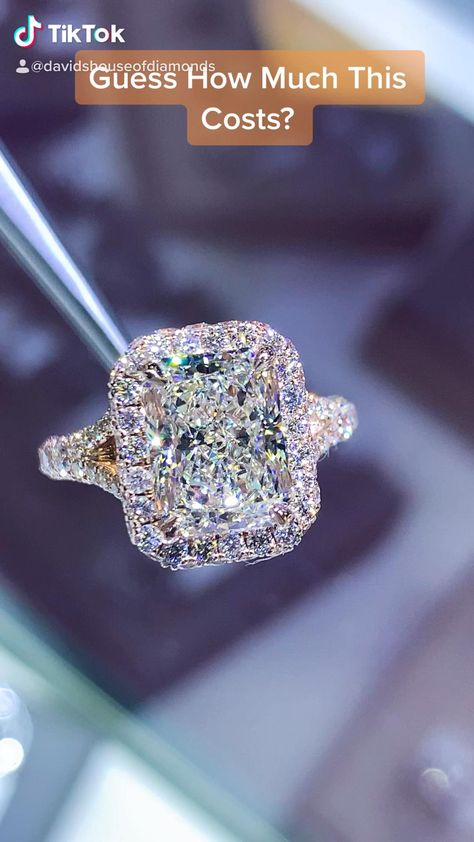 Engagement Ring Stores, Gold Band Engagement Rings, Celebrity Engagement Rings, Diamond Wedding Rings, Wedding Jewelry, Gold Jewelry, Vintage Jewelry, Jewellery, Beautiful Wedding Rings