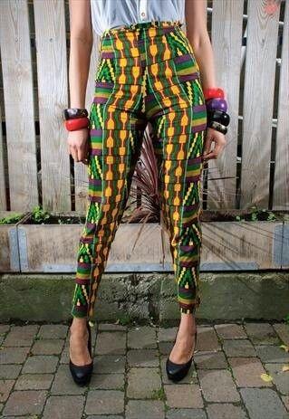 Style africain, pantalon coloré, vert et jaune, bijoux fantaisie