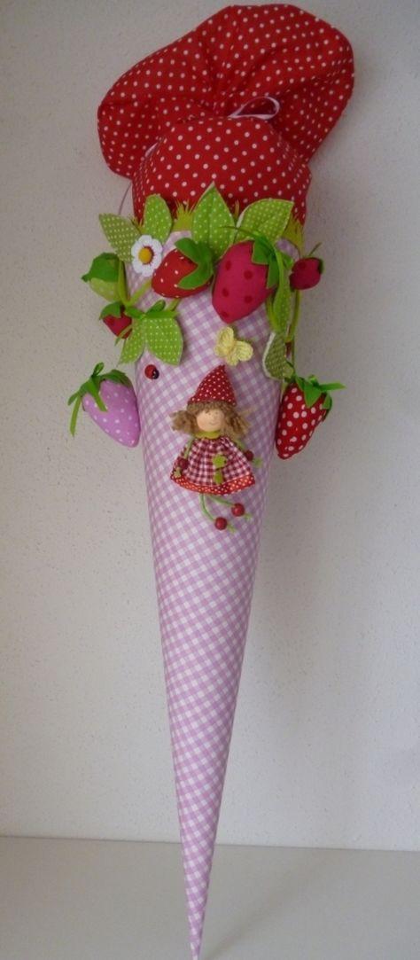 Pinke Schultüte für Mädchen mit Erdbeeren, karierte Schultüte, Zuckertüte, Einschulung / pink school cone for girls, first day of school made by Anastasiyas Stoffmärchen via DaWanda.com