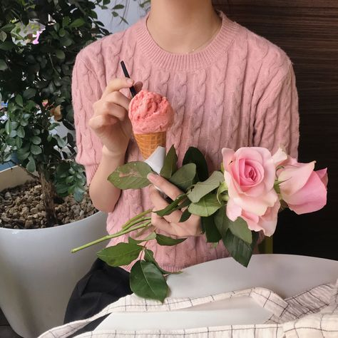 84 A GIRL WITH A FLOWER ideas in 2021   girl, korean fashion, ulzzang girl