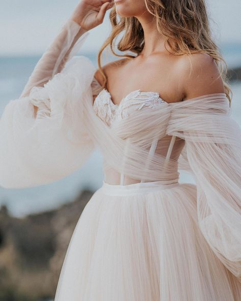 Bellina - Alegria - Bridal Dresses - Galia Lahav : For a wedding dress with delicate perfection and a subtle shade of pink - our made of pleated silk tulle in shades of ivory and blush is your dream wedding dress waiting for you to try on! Wedding Dress Black, Pink Wedding Dresses, Boho Wedding, Bridal Dresses, Wedding Gowns, Lace Weddings, Wedding Cakes, Wedding Ideas, Wedding Rings