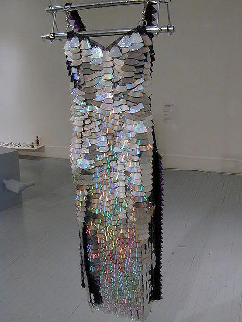 30 Weird Dresses Made Out Of Recycled Materials 30 seltsame Kleider aus recycelten Materialien
