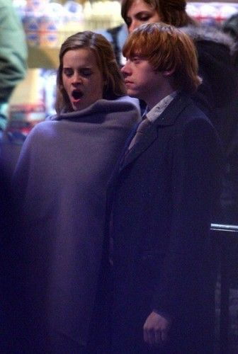 Rupert Grint and Emma Watson Photo: filming 'Harry Potter and the Deathly Hallows: Part