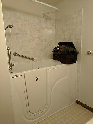 Haven Premier Care Walk In Tub White With Fixtures Condition Is
