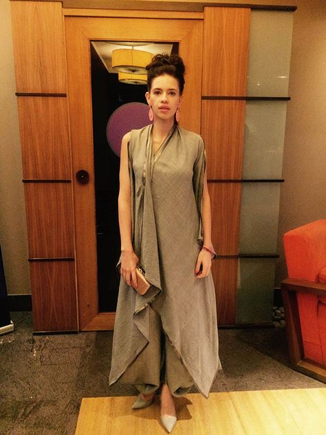 Ramp To Reality: Kalki Koechlin Shows You How To Do Fluid Silhouettes Right!Here's how Kalki Koechlin takes an outfit fresh of the ramp and turns it into a style statement!Dhoti Pattern Coz It's a trend now.