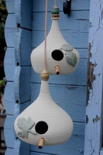 Jardin Oiseau Hanging Water Bowl Selo en céramique vert.