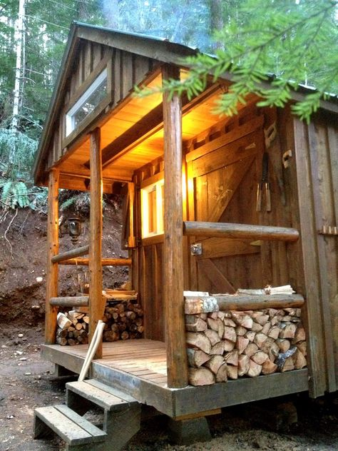 tiny-cabin-in-the-woods-5