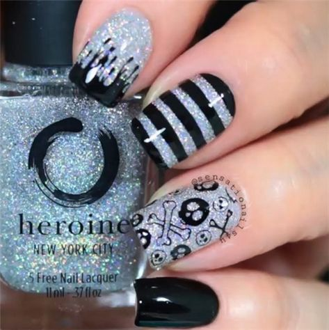 Geometric Nail Designs are so perfect for 2019! Hope they can inspire you and read the article to get the gallery.#Geometricnail#Jewenails#shortnails