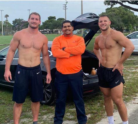 Beautiful Men Faces, Gorgeous Men, Hunks Men, Hairy Hunks, Cute White Boys, Scruffy Men, Football Boys, Athletic Men, Athletic Body