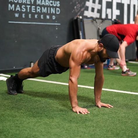 1 619 Likes 32 Comments Eric Leija Primal Swoledier On Instagram One Of My Go To Push Up Variations G Kettlebell Kettlebell Workout Bodyweight Workout