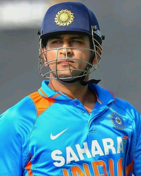 Pin By Praveen Patibandla On Wallpaper Ms Dhoni Wallpapers Dhoni Wallpapers Ms Dhoni Photos
