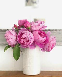 بوكيهات ورد شيك جدا اجمل صور بوكيهات ورد شيك جدا اجمل بوكيه ورد طبيعي Glass Vase Rose Decor