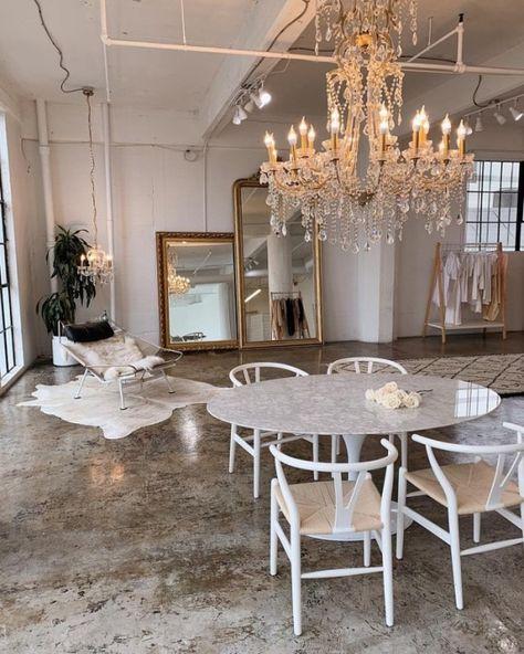Vintage Industrial Furniture For Your Home Home Design, Decor Interior Design, Interior Decorating, Design Art, Parisian Apartment, Apartment Interior, Vintage Industrial Furniture, Aesthetic Rooms, Home Fashion
