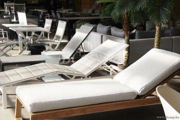 Gescova Bali Sunlounger Teak Naturel Massieve Teak Tuinligbed Balli Lits Bain De Soleil En Teck Avec Coussin Sun Beds Loungers In Teak Wi Ligstoel Bed Meubels