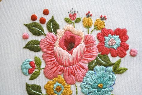Vintage Inspired Floral Embroidery Pattern