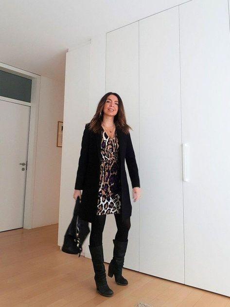 Frühjahrsoutfit: ein Kleid im Leopardenmuster . Leopardenmuster Outfit. Wie kombiniert man ein Kleid im Leopardenmuster? Frühling Sommer Mode. Mode über 40. Mode über 50 . Frühlingsmode 2019. #frühlingsoutfits #givenchy #leopardprint #over40 #springfashiontrends2019forover50