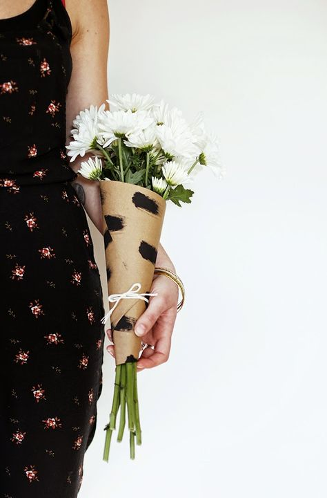 DIY Bouquet Wrap | Poppytalk
