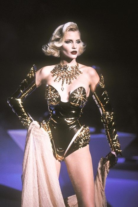 Nadja Auermann for Thierry Mugler Haute Couture Winter 1995