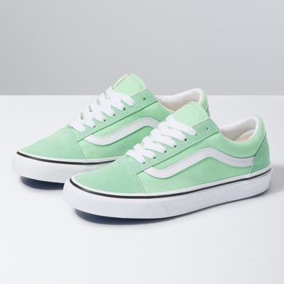 Old Skool Shop Shoes At Vans In 2020 Old Skool Classic Shoes Vans Classic