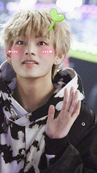 V Cute Wallpaper V Cute Bts Taehyung Taehyung