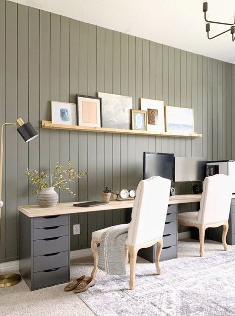 Before and After: A smart IKEA hack makes this home office transformation extra practical. Before and After: A smart IKEA hack makes this home office transformation extra practical. Desk Hacks, Office Hacks, Office Inspo, Ikea Hacks, Office Ideas, Office Setup, Office Organization, Home Office Paint Ideas, Organized Office