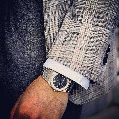 Details…   #watches #audemarspiguet #royaloak #menswear #flannel #style #inspiration #wiwt #geraldgenta #fromavantgardetoicon #klocksnack #14790st #36mm #classic (på/i Stockholm, Sweden)