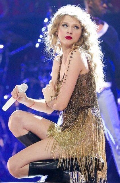 Looking Back To Speak Now Era Taylor Swift Pictures Taylor Swift Speak Now Taylor Swift Concert