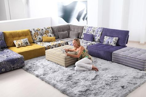 obsessed with floor seating. pretty sure i will travel to india shortly and find beautiful floor couches. and carry them back in my knapsack.