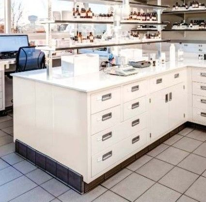 Lab Bench Workstation Shelving Bench
