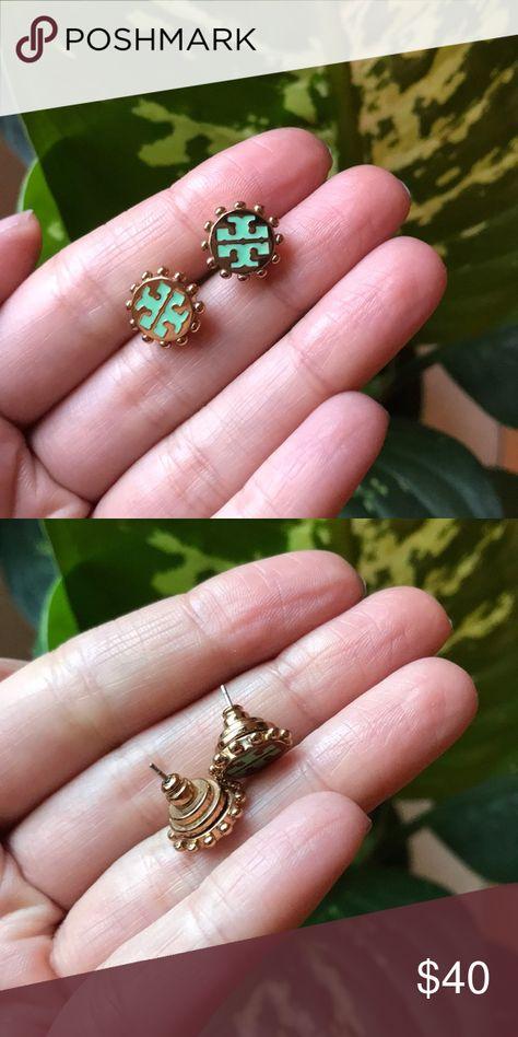 Tory Burch earrings Cute Tory Burch authentic earrings. Comes with original back piece Tory Burch Jewelry Earrings