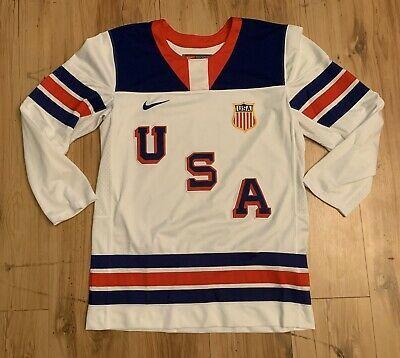 Vintage Nike Team Usa United States Iihf Patch Hockey Jersey Men S Medium White Ebay In 2020 Hockey Jersey Team Usa Ice Hockey Jersey