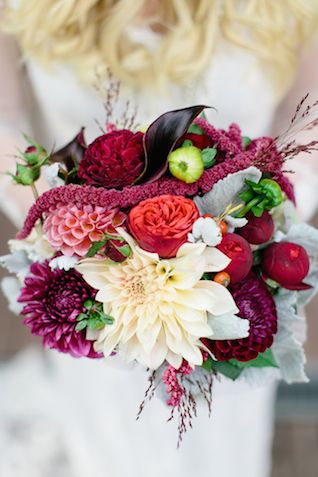 Berry colored bridal bouquet | Julia Winkler Photography |