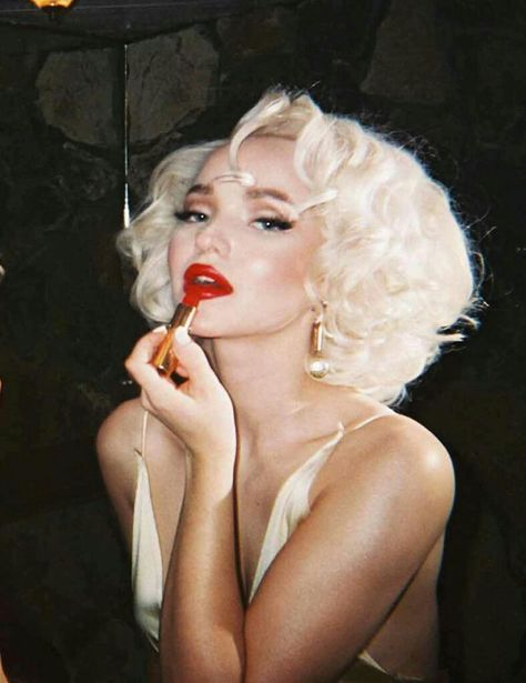Dove Cameron Channels Marilyn Monroe For New Photoshoot