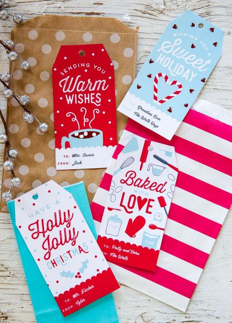 Free Personalized Holiday Gift Tags. This printable template is perfect for teacher and kids gift ideas! Simple, editable, and fun.
