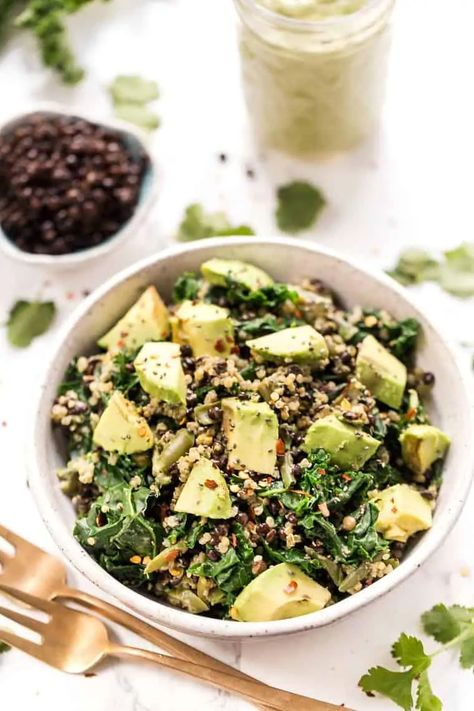 We're just loving this HIGH PROTEIN Kale, Lentil & Quinoa Salad lately! It's vegan, gluten-free and made with an amazing creamy cilantro dressing. #quinoasalad #blacksalads #proteinsalad