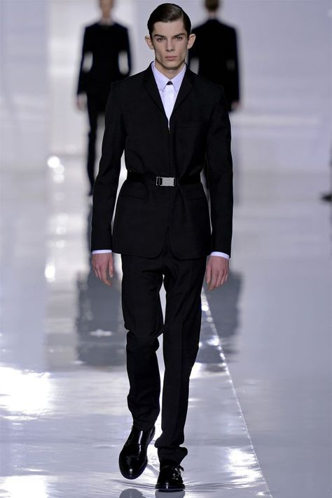 Waist-cinching belts are not just for women.  Dior Homme 2013 Paris Fashion Week.