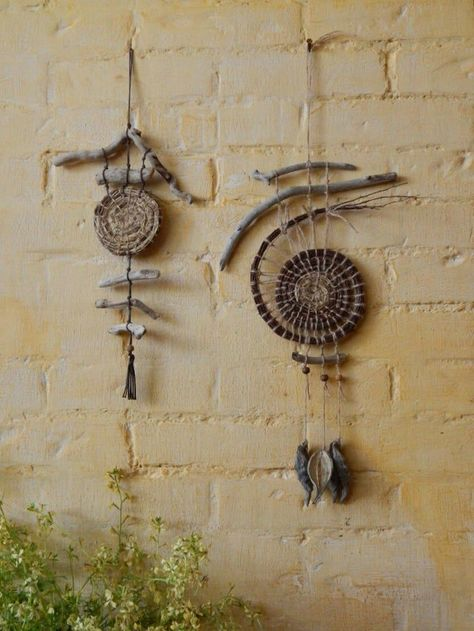 Decor at home. The Eco house Dreamcatcher. Decor at home. The Eco house. Driftwood Projects, Driftwood Art, Twig Art, Nature Crafts, Nature Nature, Yard Art, Basket Weaving, Wind Chimes, Fiber Art