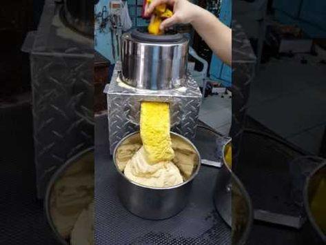 Maquina de hacer pasteles en hojas - YouTube