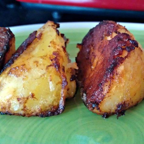 Marmite Roast potatoes are a simple treat which I think everyone should try once. I know there is this whole love it hate it argument but I think Marmite is much more complex than that. I did a lit…