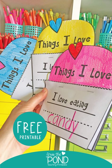 Printable mini book for Valentine's Day writing - free printable Valentines Writing Kindergarten, Valentines Day Activities, Kindergarten Writing, Kindergarten Activities, Writing Activities, Preschool Journals, Preschool Bulletin, Holiday Activities, Valentines Day Book