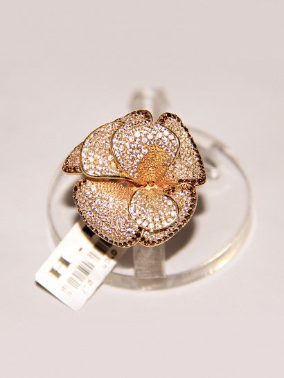 خاتم ذهب عيار 18 خاتم ذهب عيار 18 شكل وردة مرصع بالفصوص خصم 10 على المصنعية Flawer Jewelry Jewelrymaking Love Women Ring Jewelry Druzy Ring Rings