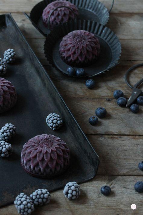 blackberry sorbet.  im Hintergrund sind viele ganz tolle Rezepte auch backen viel Spaß  Mami