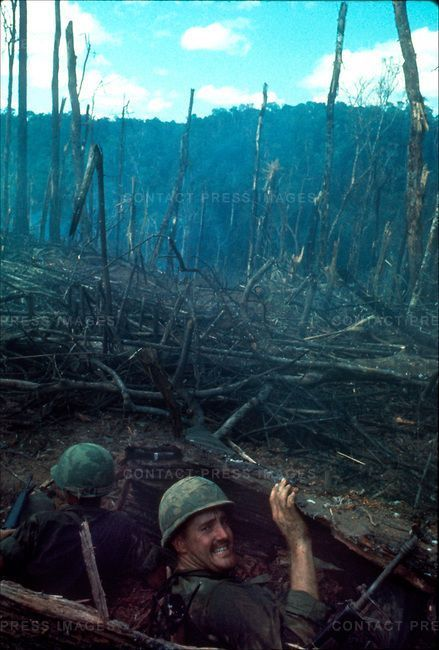 US Soldiers, battle of Dak To, Hill 875, South Vietnam, November 1967