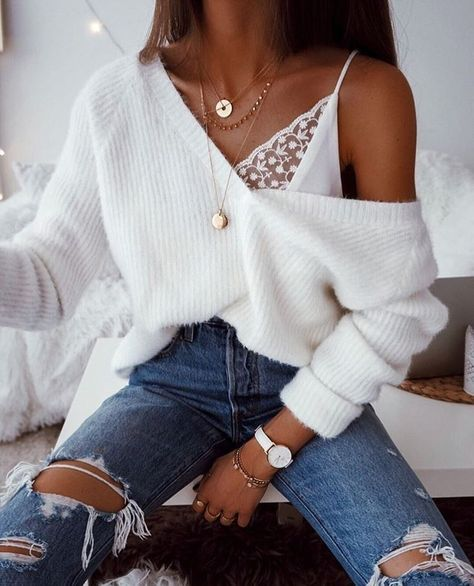 Gold Chain Ripped skinny jeans white oversized fluffy v neck sweater lace lingerie top bra gold chains necklaces casual sophisticated cool winter fall outfit fashion inspo trends accessories jewellery